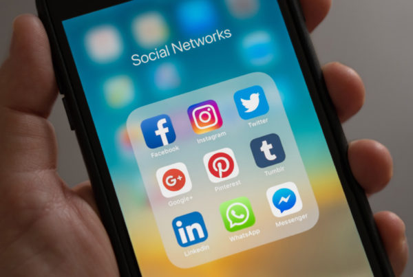 phone-with-social-apps